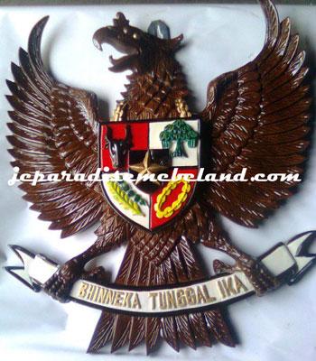 Ukiran Lambang Burung Garuda 2 Dimensi